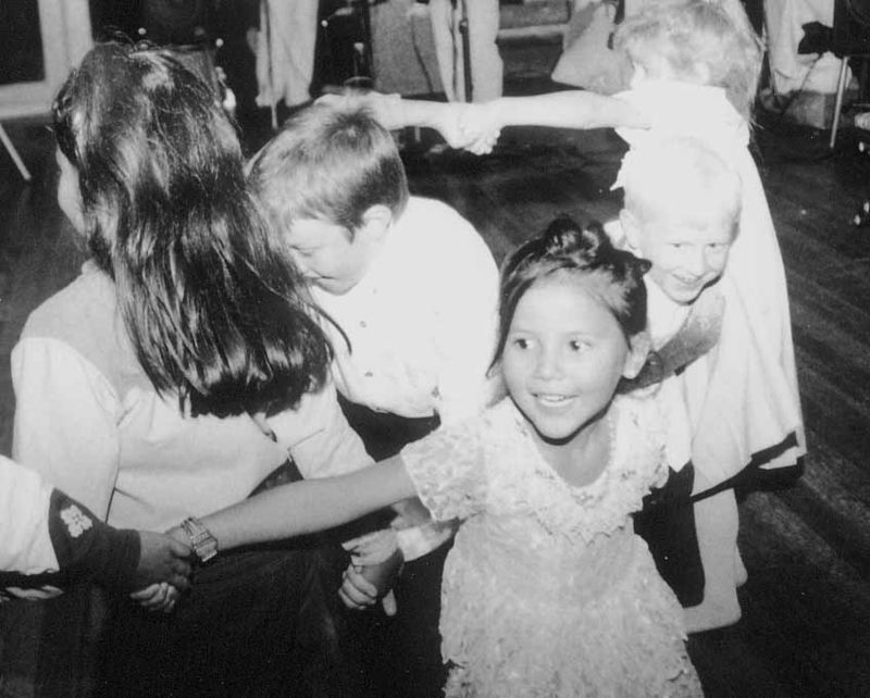 Kids dancing ward,colo 93